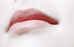 原来通过嘴唇颜色可反映出经脉和脏器的疾病