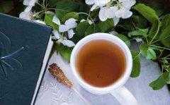 白领女性犯困喝4款茶