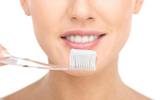 吃什么能够美白牙齿?如何美白牙齿?