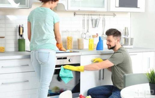 给家居环境消毒 消毒液的使用方法和注意事项