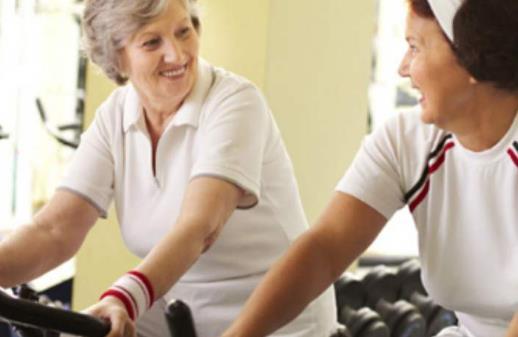 老年人运动不当过度膝盖受伤 容易伤膝盖的运动
