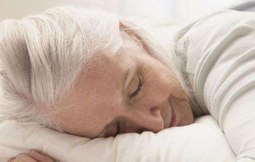 老年人睡太多的危害 提高老人睡眠质量有四大法宝