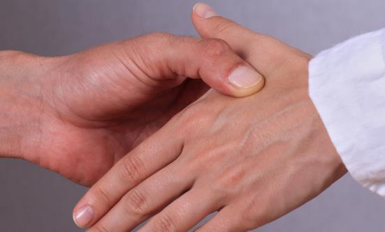 介绍10个常用养生要穴 帮你养生防病