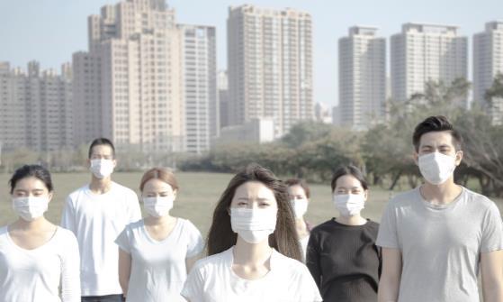 长时间戴口罩或致皮肤问题 常戴口罩该这样护肤