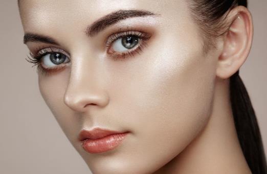 如何修眉才能展现完美的自己 眉毛补修方法推荐