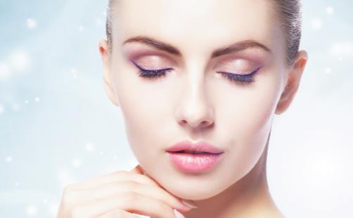 眼妆出彩要掌握的技巧 增大眼睛的眼妆技实现大眼梦