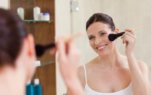 护唇膏用不完 教你护唇膏的超棒用法