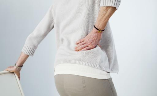 体内有癌,腰部先知,腰部若有这一个特征,癌症可能已经