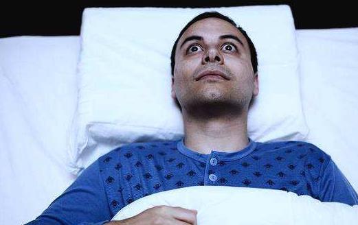 睡眠不足的10大表现 饮食跳过来提高睡眠质量
