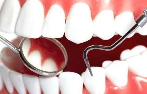 导致牙齿发黄的5大原因 搭配不同的食物进行美白牙齿