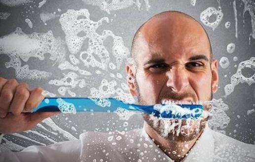 导致牙齿发黄的5大原因 应养成健康的护牙习惯