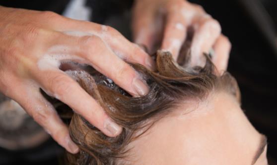 晚上睡觉前洗头有什么影响 洗头的五大禁忌