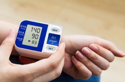 清晨血压高心脏很脆弱 如何管理清晨高血压