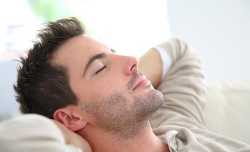 午后稍稍小睡可降血压 正确午睡才对身体有益