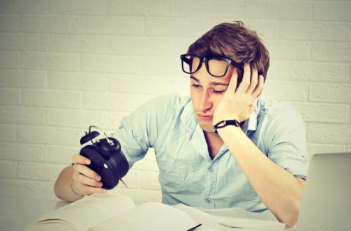 学习或工作就困玩的时候不困 上班犯困提神方法推荐