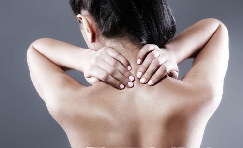 脖子总是酸痛教你缓解方法 注意睡眠姿势加强保暖