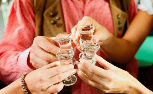 男人醉酒不仅会伤肝还会伤心 酒后不宜的事项要避免