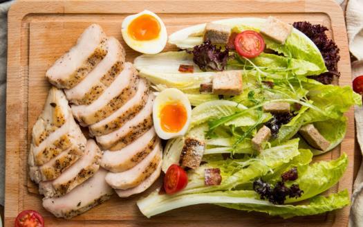 健身餐对营养的均有讲究 健身运动员三餐时间安排