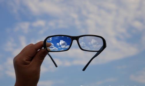 近视眼将来也会老花 日常保护眼睛预防近视