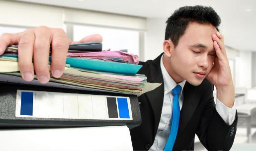 工作后总是难免身材走形 越努力工作的人越容易发胖