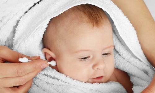 耳屎对人体也是有作用的 日常到底需不需要掏耳朵