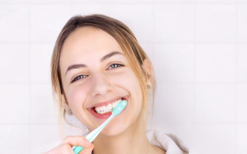 逼死强迫症系列 早上起床先喝水还是先刷牙