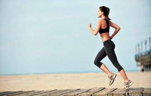 标准跑步的姿势是怎样的