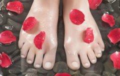四类不适合泡脚的人 常泡易导致死亡