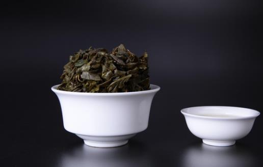 茶叶渣妙用多 消除黑眼圈还能除脚臭防脚气