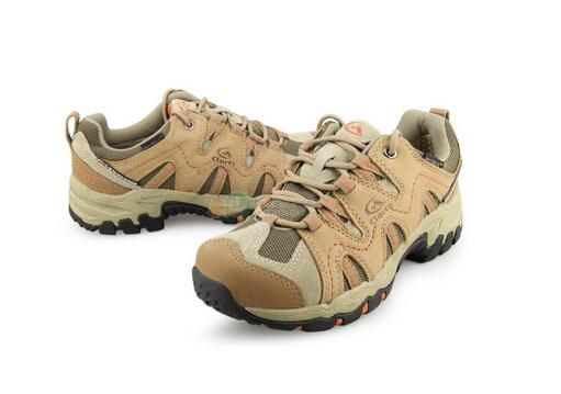 如何挑选徒步鞋?徒步鞋和登山鞋的区别